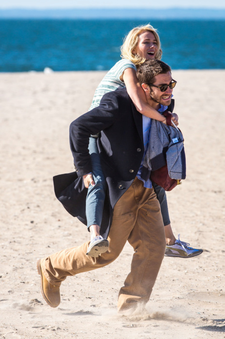 *EXCLUSIVE* Naomi Watts and Jake Gyllenhaal are lovebirds on the set of 'Demolition'