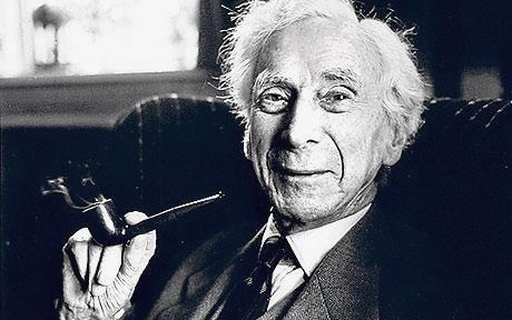 bertrand-russell-with-pipe